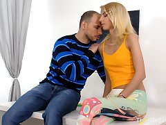Ardent Hungarian blonde blowlerina Missy Luv works on boner cock