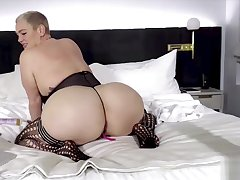 CamSoda - Infant with big ass increased by tits fingers her pussy