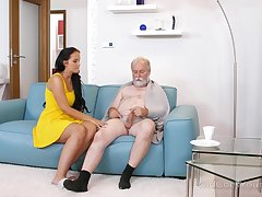 Young busty keeping Jennifer Mendez gives a blowjob and titjob just about one old man