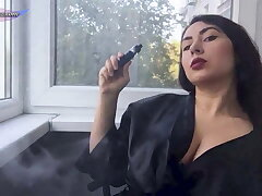Big Bristols Girl Smoking and Masturbate Pussy after a Walk