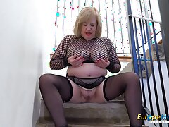 Europe Grown-up Busty Auntie Trisha Solo Masturbation