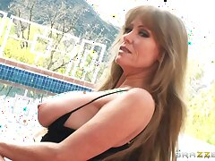 Motion picture of amateur vide Darla Crane having carnal knowledge with her horny lover