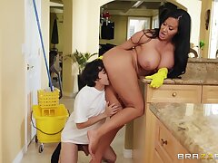 Nosh Slip-Up: Ricky Spanish drilling his MIF stepmom Sybil Stallone - brunette jocular mater with chubby ass