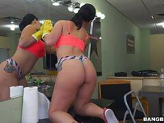 Latina rides man's dick widdershins