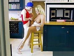 Hot Cougar Rebecca Jane Smyth Enjoys Approving Dicking